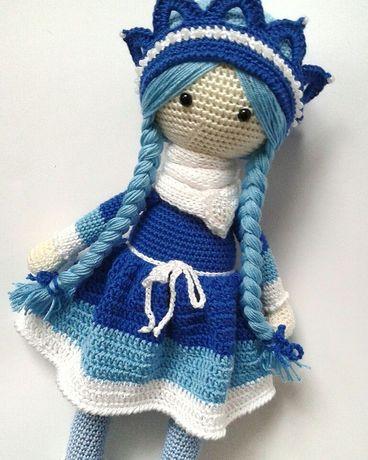 Вязаная кукла.