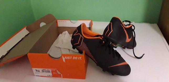 Korki Nike 36,5