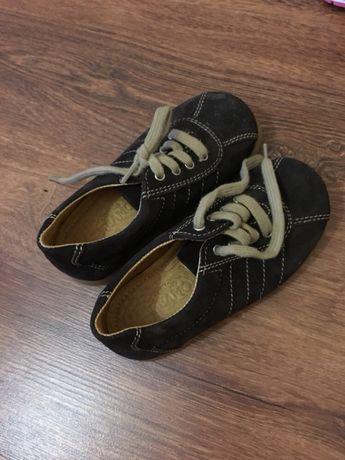 Ботинки туфли обувь