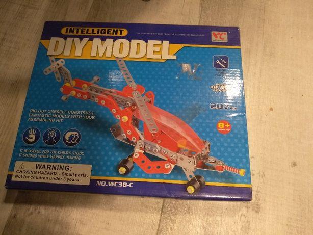 zabawka edukacyjna mały konstruktor helikopter metal plastik 8 lat