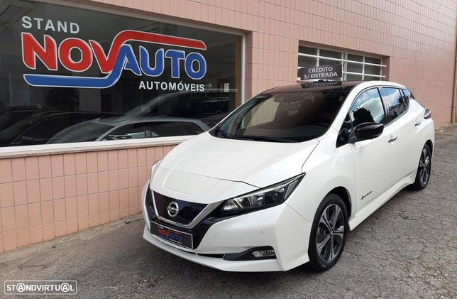 Nissan Leaf N-Connecta Two Tone