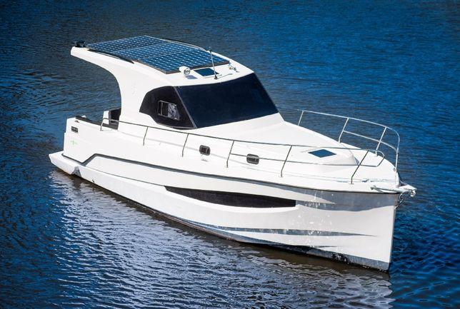 Jacht motorowy kabinowy Motorówka kabinowa houseboat