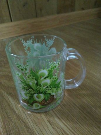 Кружки, чашки, скляні