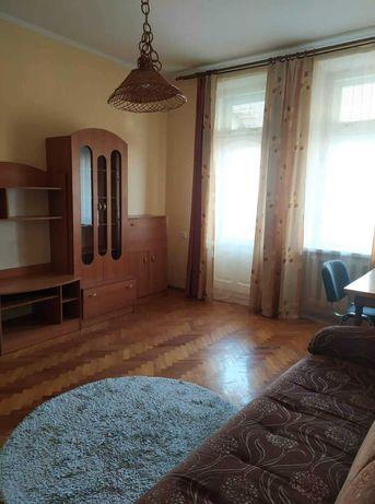Оренда 2 кімнатної квартири по вулиці Гоголя ( центр)