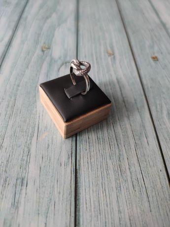 Nowy pierścionek serce z cyrkoniami, 925, śr. 18,9 mm