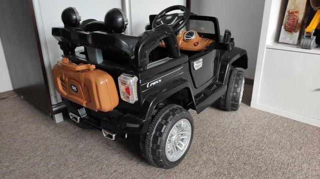 Auto na akumulator jeep
