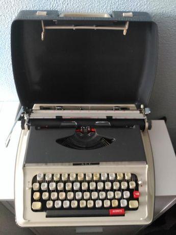 Vendo máquina de escrever portátil All - MODEL 5050