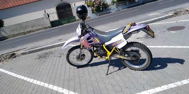 mota suzuki Rmx 50 transformada para 75