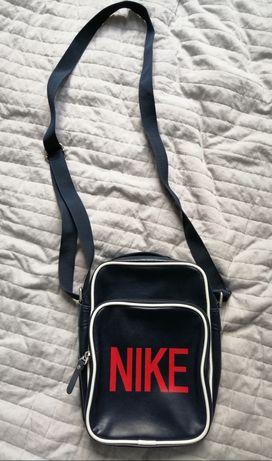 Torebka marki Nike