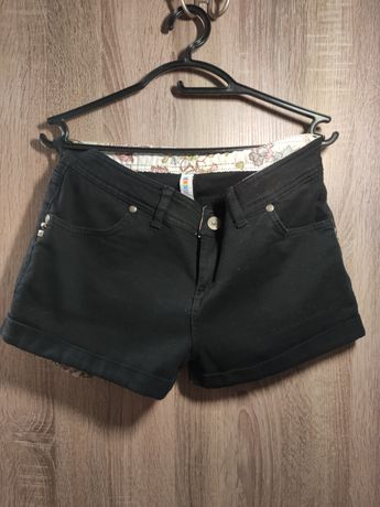 Продам женские джинсовые шорты Denim Co