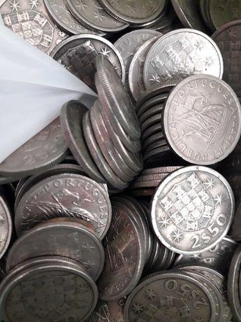 Lote de 100 moedas de 2,50 escudos
