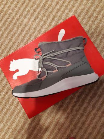 Продам ботиночки новые спорт.