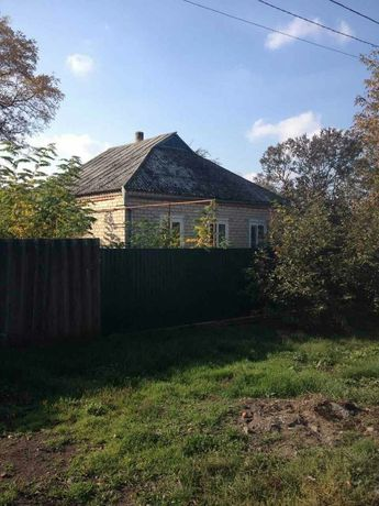 Продам будинок в житловому стані