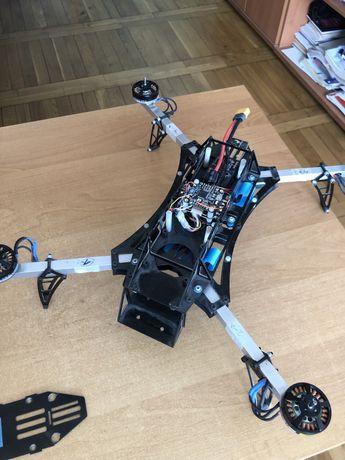 Dron do dokonczenia kontroler F722se