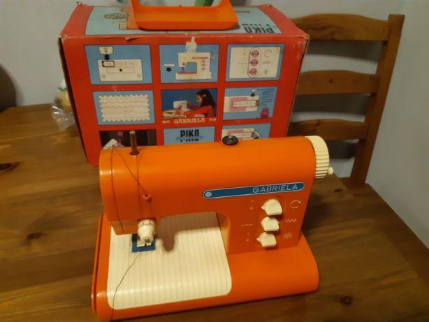 Maszyna do szycia zabawka  PIKO,GABRIELA' prl
