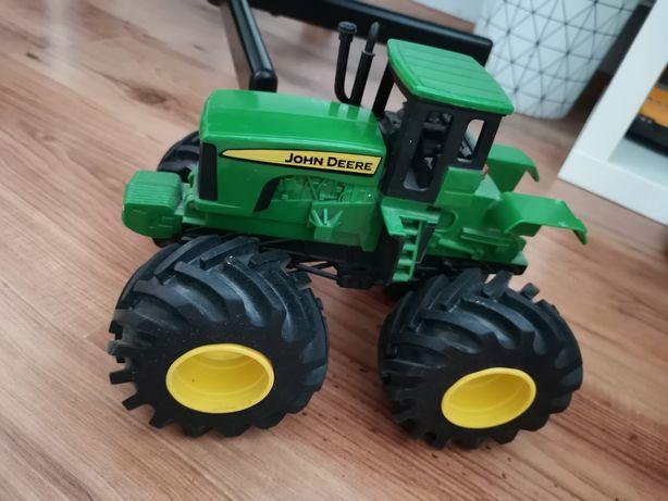 Traktor John Deere z dzwiękiem