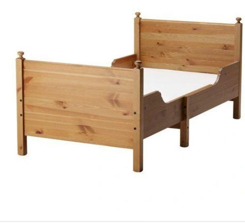 Łóżko leksvik drewno rośnie razem z dzieckiem