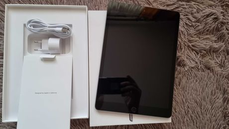 ipad 2020 8 wifi 32 GB space gray как новый на подарок можно