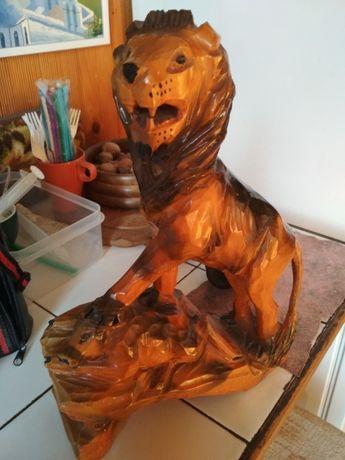 Продам сувенир из дерева Лев