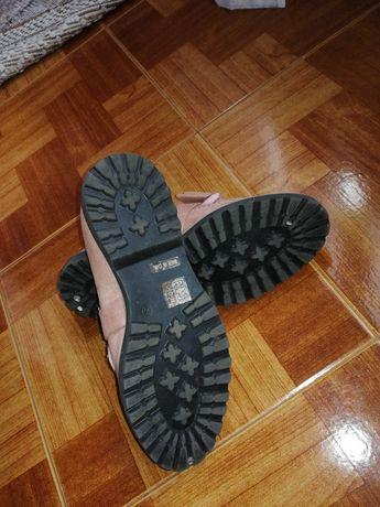 Sapatos de senhora cor de rosa