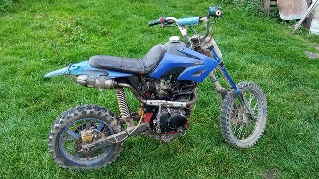 Cross Loncin 200cc