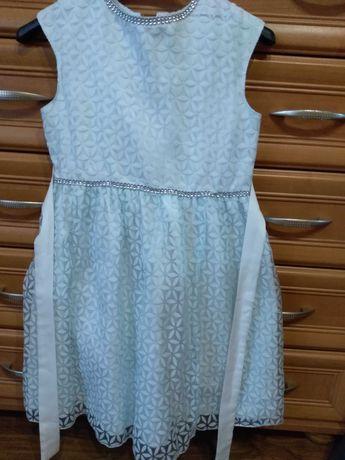 Elegancka sukienka z bolerkiem rozm. 134/140