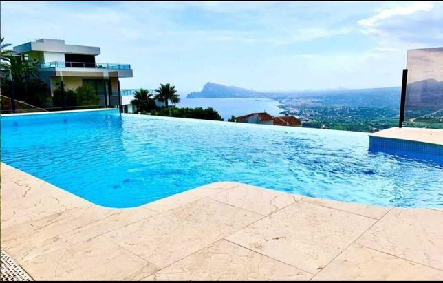 ЭЛЕГАНТНАЯ ВИЛЛА класса LUXE с панорамным видом на залив Коста Бланки.