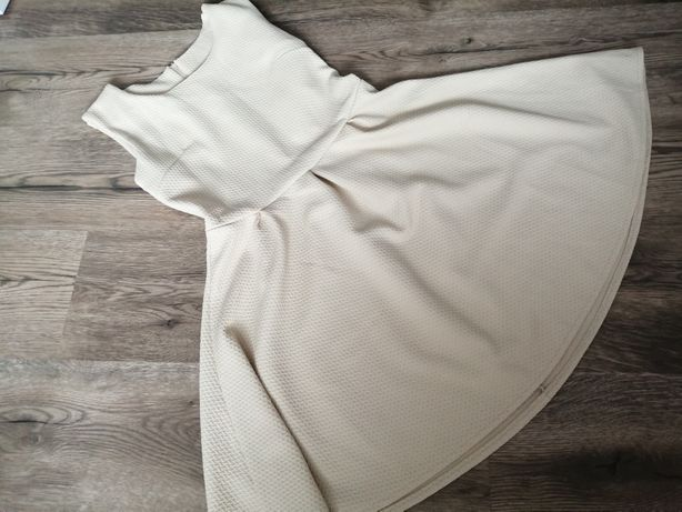 Piękna sukienka stan idealny rozmiar 36/38