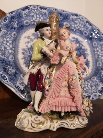 Candeeiro - Dresden (Alemanha) - escultura com casal romântico
