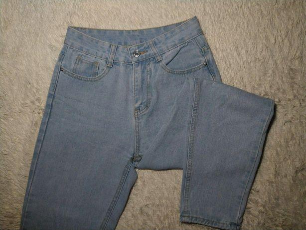 Голубі джинси МОМ