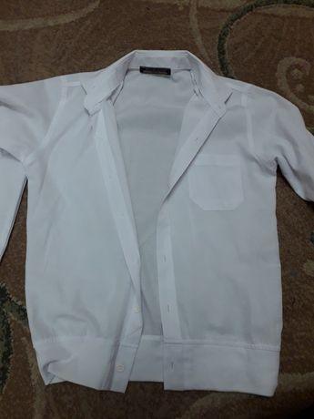 Біла сорочка для хлопчика.