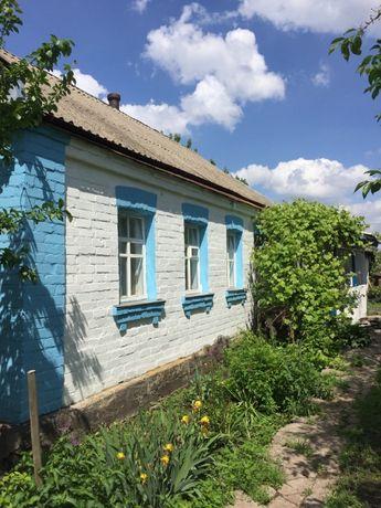 Дом Киевская обл. Кагарлыкский р-н с. Лещинка