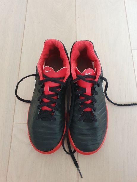 Korki tufy Nike roz. 36