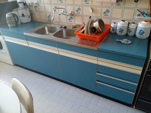 Armarios de cozinha com lava louca duplo