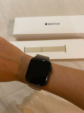 Apple Watch SE 40mm com pulseira Milanese dourada (+6 pulseiras)