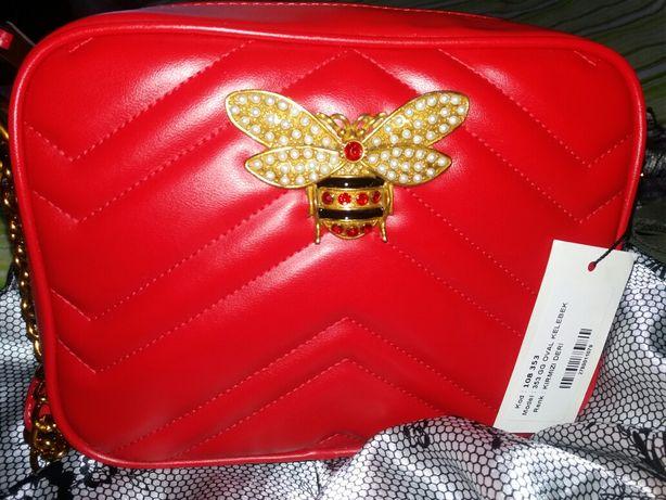 Gucci красная новая