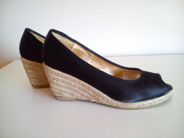 Sandálias pretas de cunha Tam.40 da H&M
