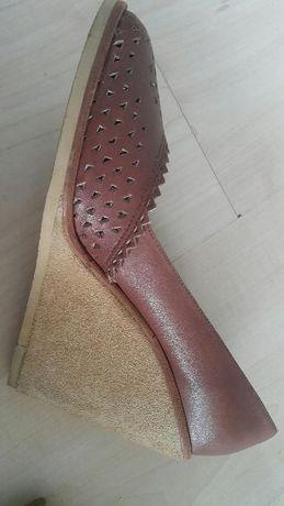 Buty na koturnie KORK-EASE ze skóry rozm. 40 (9M)