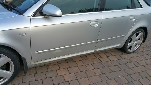 KOMPLET 4szt LISTWY Drzwi Sline progowe srebrne Audi A4 B6 B7 LY7W
