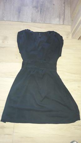 Czarna sukienka vero moda rozmiar xs