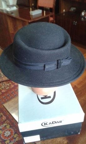 Продаю фетровую черную шляпу
