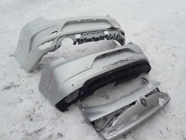 Renault Megane 4. Бампер задній. Кришка багажника, накладка. (279,280)