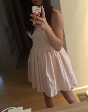 Sukienka rozkloszowana jak lou pudrowy roz 36 S