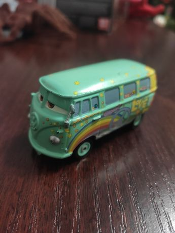 Машинка Автобус из мультфильма Тачки, оригинал Disnay