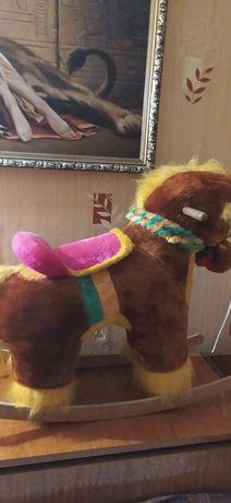 Мягкая игрушка-лошадка