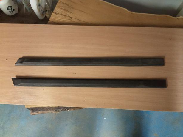 Listwy drzwi tylnych golf 2 gti 5D jetta 2 lewa /prawa