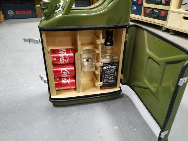 Nietypowy prezent kanister Jack Daniels biwakowy :) + szklanki