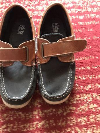 Туфлі дитчяі( макасіни)