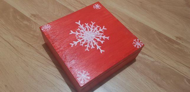 Drewniana szkatułka, pudełko ręcznie malowane