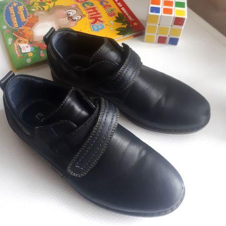 Туфли кожзам 34 туфлі обувь